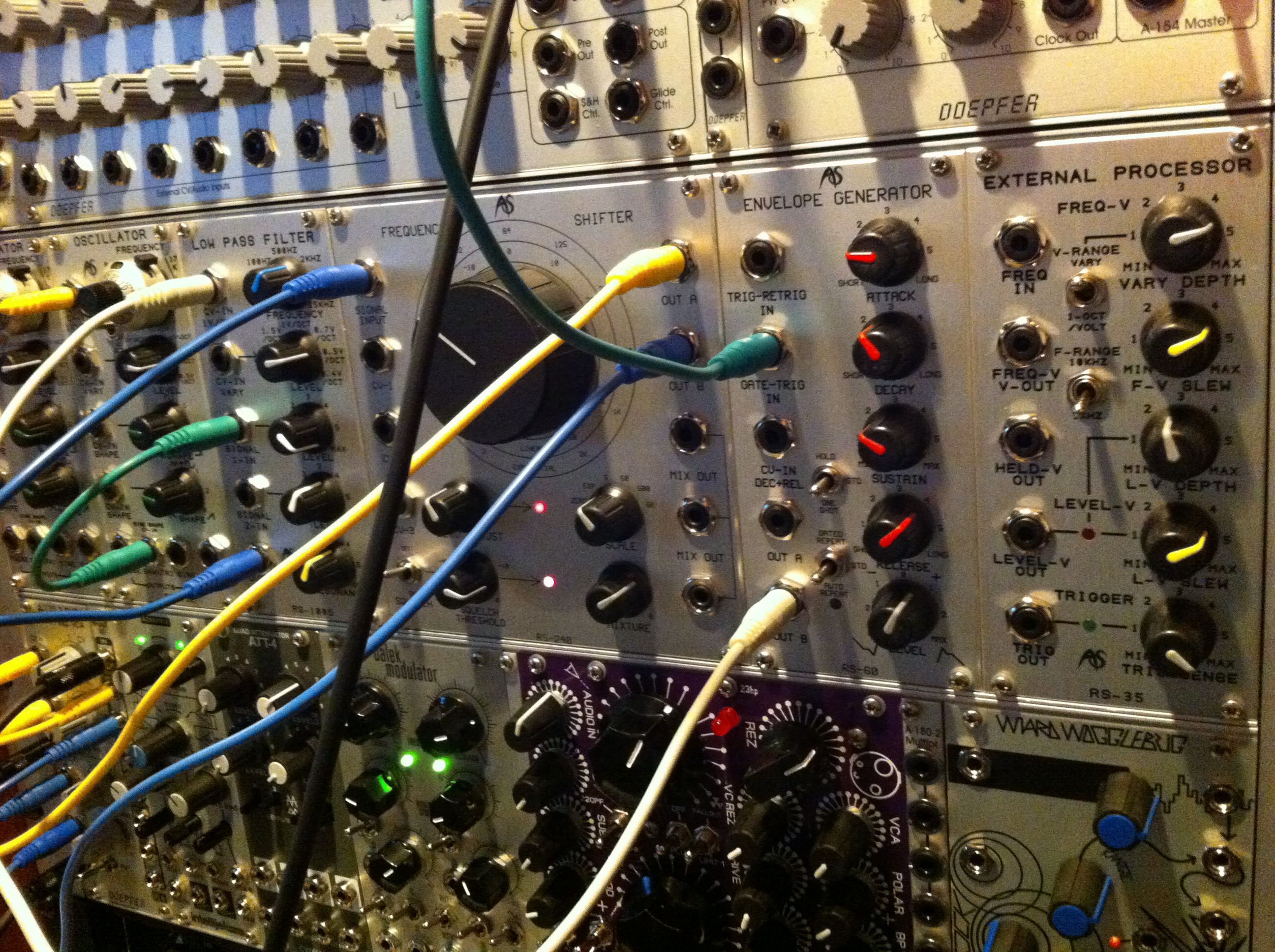 Modular synth patch